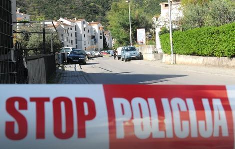 Policija je ogradila mesto ubistva (foto: Savo Prelević, Vijesti.me)