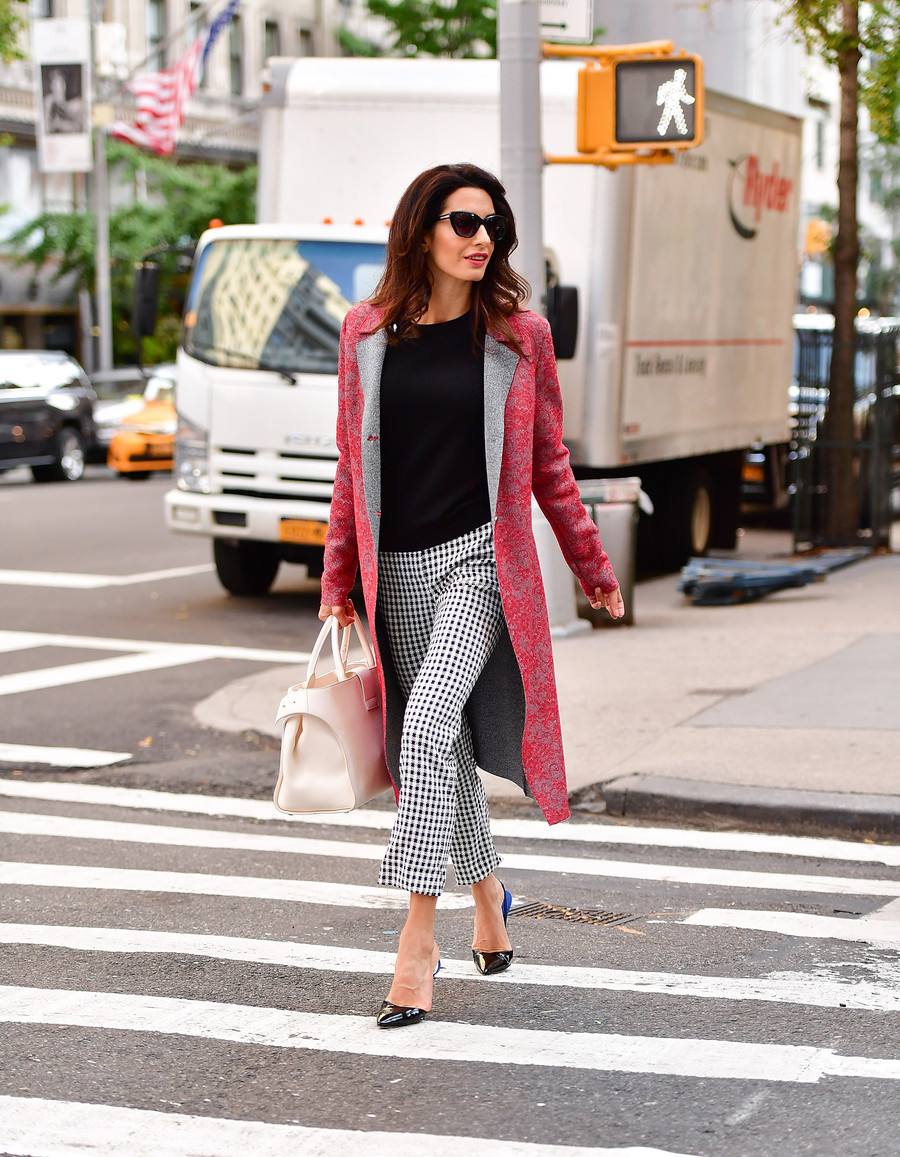Zasady stylu Amal Clooney / James Devaney / GettyImages