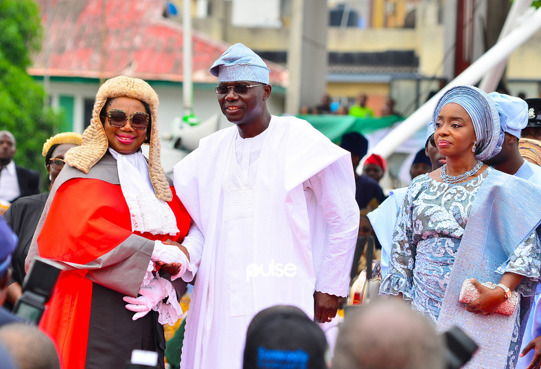Sanwo-Olu poses for the cameras during his inauguration (Pulse)