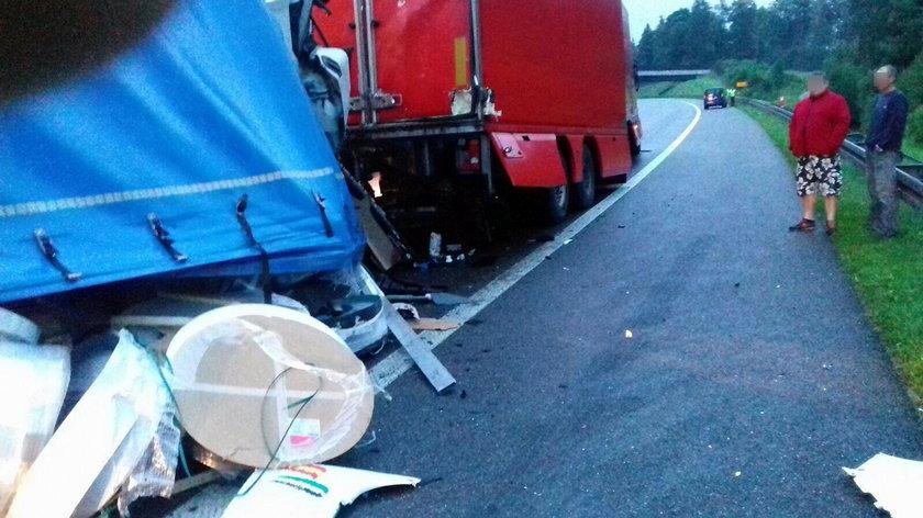 Groźny wypadek na A4. Kierowca walczy o życie