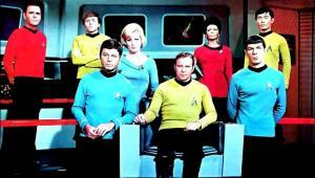 """Star Trek: The Original Series"" od lewej James Doohan, Walter Koenig, DeForest Kelley, Majel Barrett, William Shatner, Nichelle Nichols, Leonard Nimoy i George Takei."