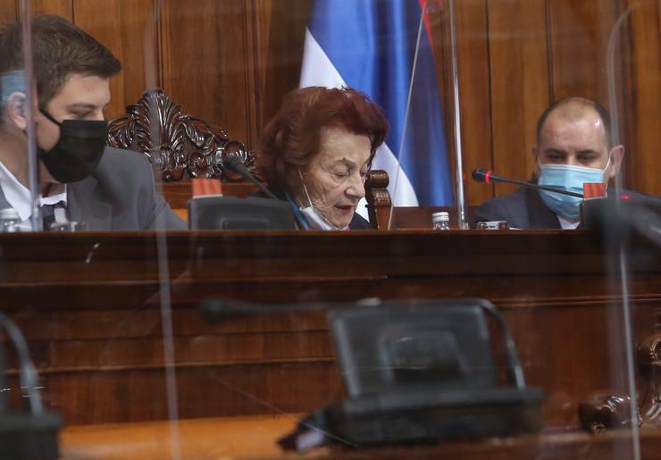 Smilja Tišma u skupštini Srbije