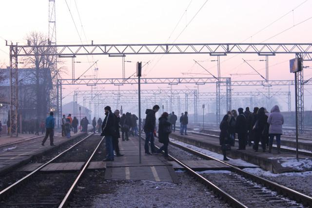 Putnici nestrpljivo čekaju neki BG voz