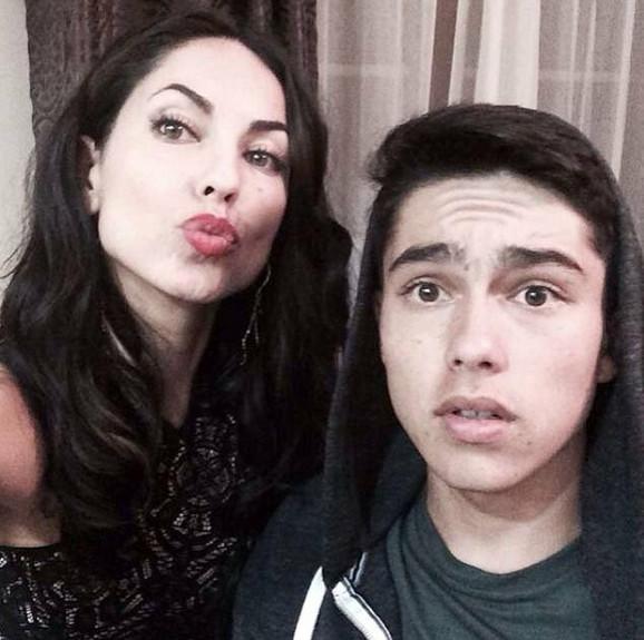 Serhij uživa da se slika sa mamom, a fotografije objavljuje na Instagramu