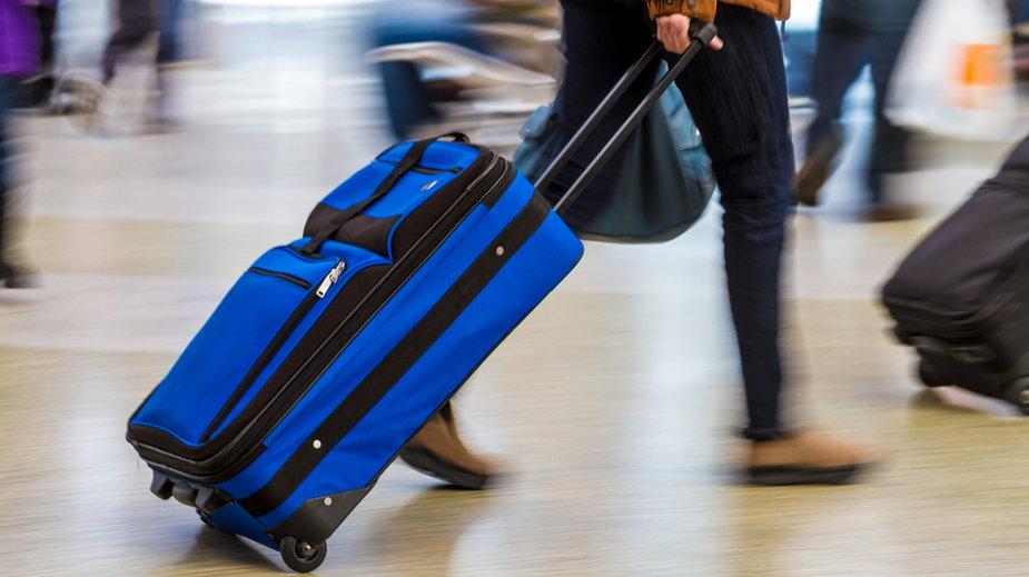 Koronawirus. USA odradzają obywatelom podróże do ponad 100 krajów. Wśród nich jest Polska