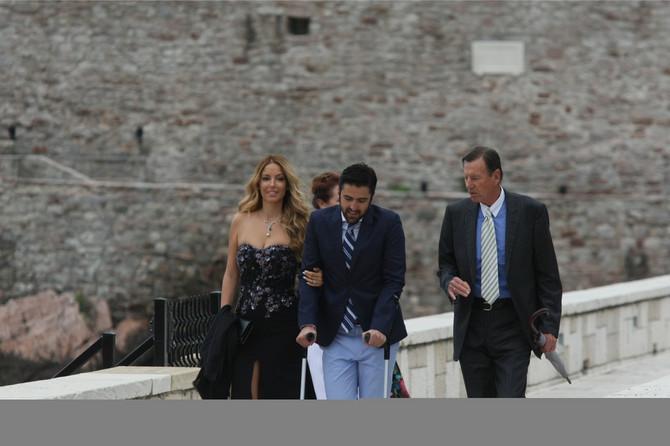 Pilić sa Biljanom i Jankom Tipsarevićem na venčanju Novaka i Jelena 2014. na Svetom Stefanu