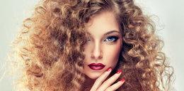 Szukasz pomysłu na wiosenną fryzurę? Wiemy jak ją wykonać