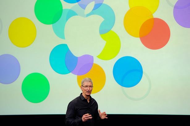 Tim Cook rozpoczyna konferencję Apple.