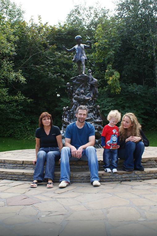 Monika z mężem, synkiem i teściową
