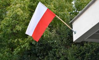 Jak poprawnie eksponować polską flagę?