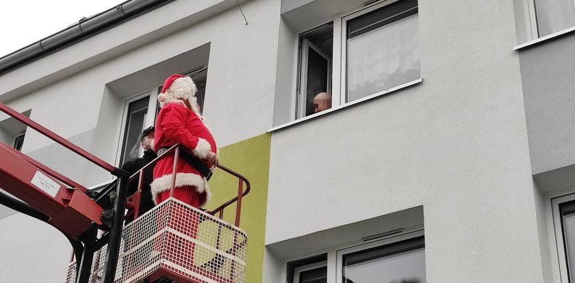 Mikołaj tym razem nie skorzystał z sań. Ale z niego spryciarz!