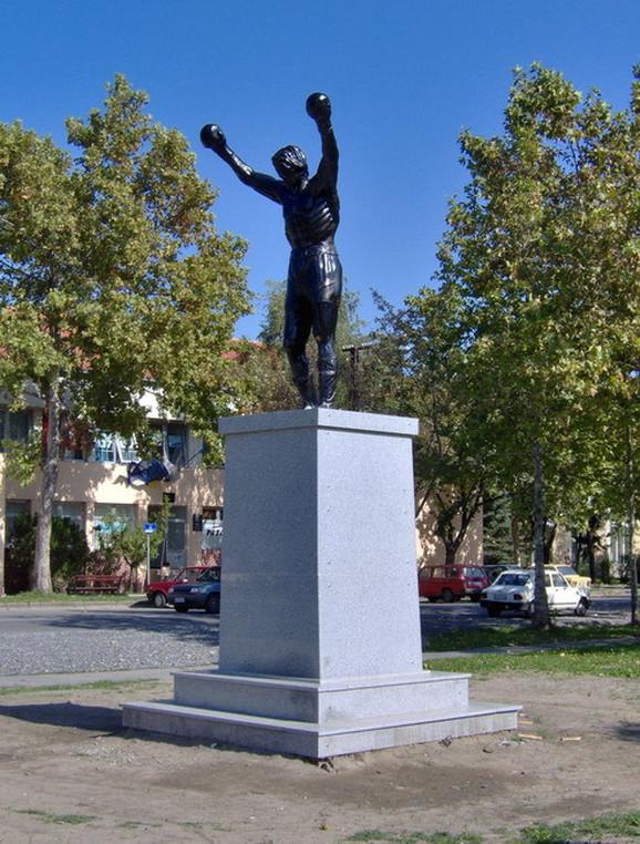 Spomenik Rokiju u Žitištu