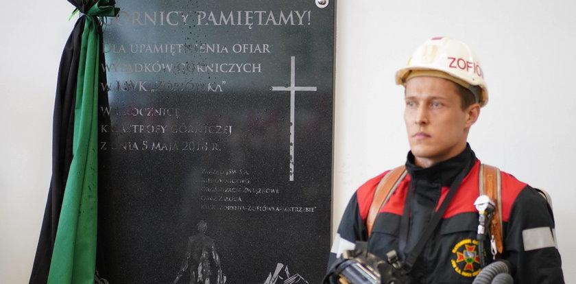 Rok po tragedii w Zofiówce odsłonięto tablicę pamiątkową