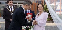 """Katastrofa na ślubie w """"Na dobre i na złe"""". Wstydliwy problem Falkowicza"""