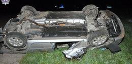 Tragiczny wypadek w Kłoczewie. Kierowca nie żyje, cztery osoby ranne