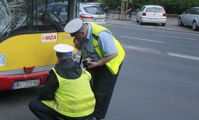 Tragedia w Warszawie. Autobus potrącił kobietę