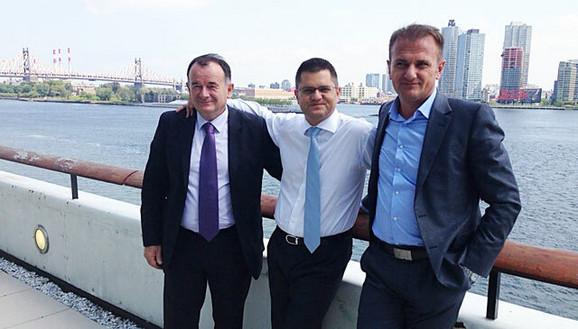 Ostoja Mijailović (desno) sa Vojislavom Ilićem i Vukom Jeremićem