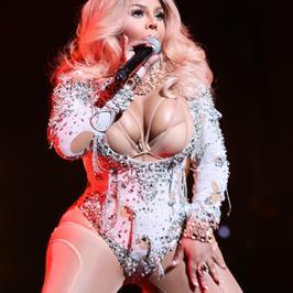 Lil Kim ofiarą operacji plastycznych! Co się stało z piękną raperką?