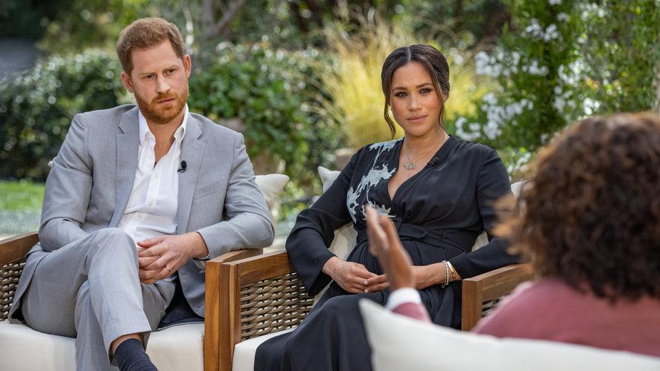 Harry i Meghan Markle podczas rozmowy z Oprah Winfrey
