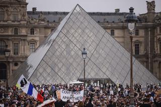 Tysiące osób we Francji demonstrowały przeciw obowiązkowi szczepień i zaświadczeniom sanitarnym