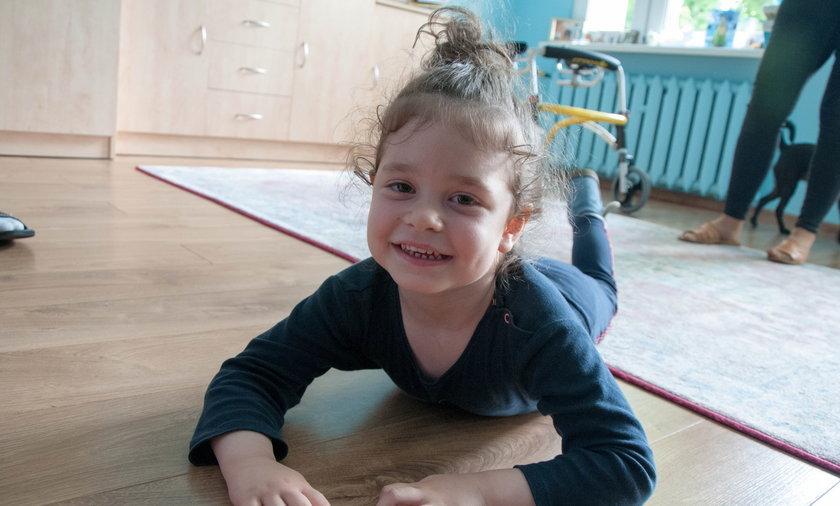 Weronika zasługuje na szczęście. Pomóżmy dziewczynce w powrocie do zdrowia.