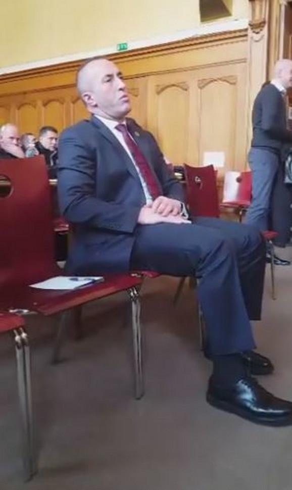 Haradinaj u francuskom sudu, gde je hapšen po poternici Srbije