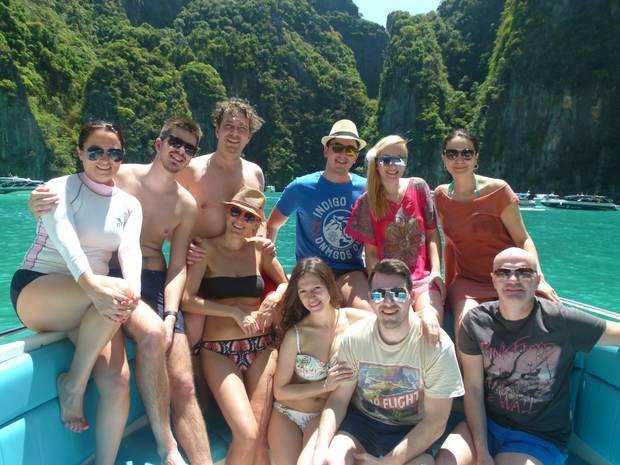 Maja s grupom turista