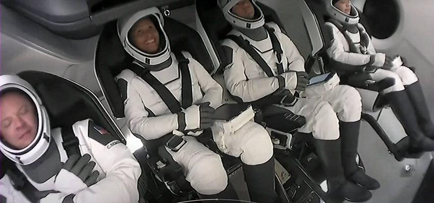 Miliarder poleciał w kosmos. Na pokładzie nie ma ani jednego profesjonalnego astronauty