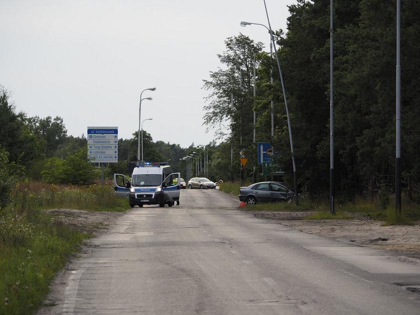 Śmiertelny wypadek na ul. Sanitariuszek. Wjechał prosto w słup