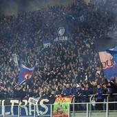 """""""TREBA DA IH JE SRAMOTA!"""" UEFA dodatno raspalila BES i očaj navijača nakon UKLETE utakmice koja je donela korona virus na Balkan!"""