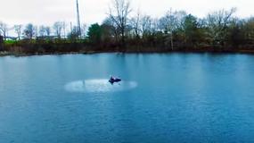 Wlał łyżeczkę oliwy do wody. W ciągu 10 minut fale na jeziorze uspokoiły się
