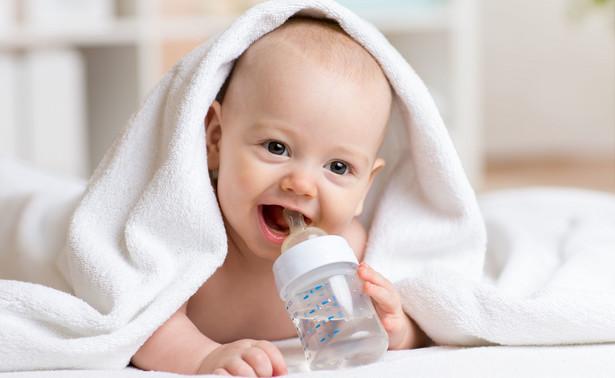 Z danych GUS wynika, że w I półroczu liczba nowo urodzonych dzieci była o 29 tys. mniejsza niż w analogicznym okresie roku poprzedniego.