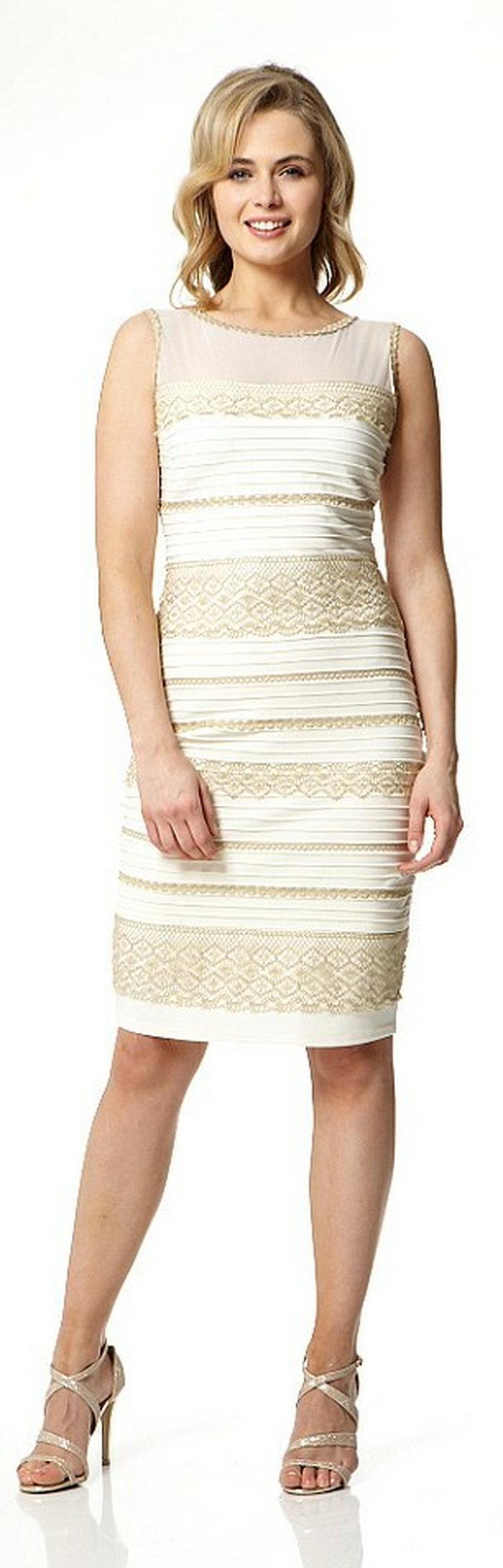 Bialo Zlota Sukienka Sprzedana Za 8 Tysiecy