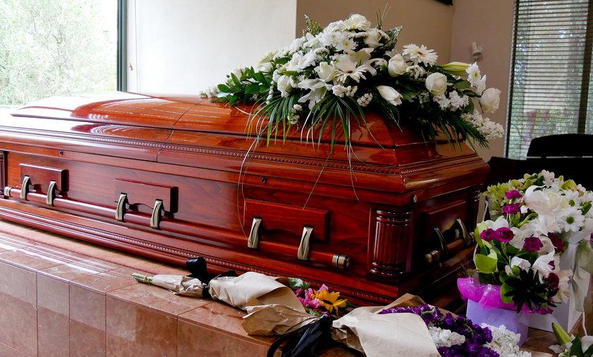 Pogrzeb kosztuje coraz więcej, ale jest kilka możliwości, aby otrzymać pieniądze na jego organizację.