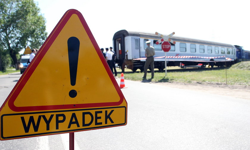 Wypadek na przejeździe pod Warszawą