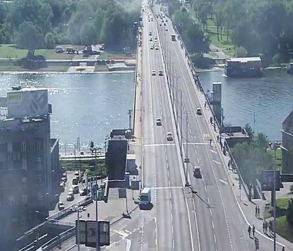 Vozila idu i preko Brankovog mosta