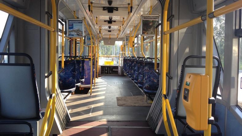 94-latek zgubił w tramwaju teczkę z pieniędzmi. Motorniczy znalazł i oddał