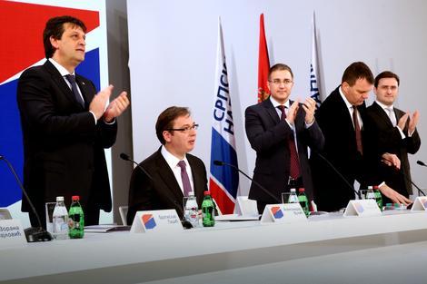Vučićevu objavu propratio višeminutni aplauz