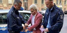 Żywy Ken aresztowany w Berlinie. Został skuty kajdankami!