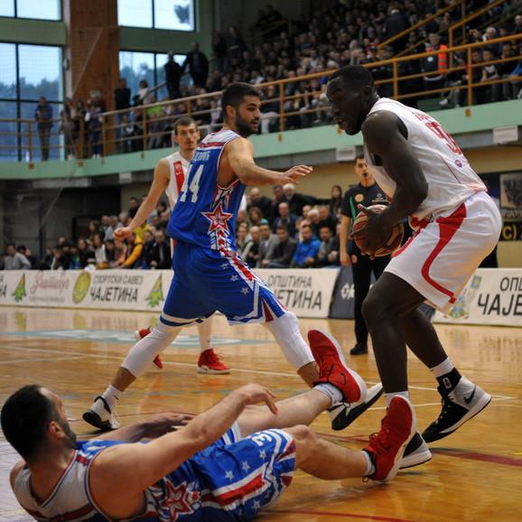 Košarkaši Zlatibora na meču protiv crveno-belih