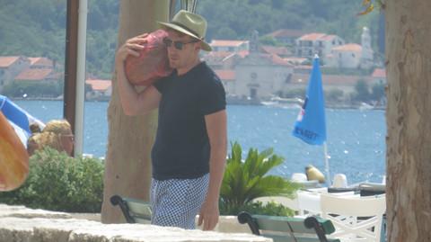 Ovim će kupiti sve žene: Vladimira Aleksića je naš paparaco uhvatio kako na plaži radi ovo! Video