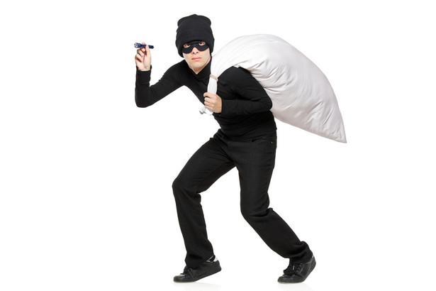 Liczba włamań z kradzieżą wzrasta z roku na rok. Tylko w 2010 roku zanotowano ponad 140 tys. włamań (fot. shutterstock.com)