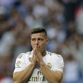 TUMBAKOVIĆ KAZNIO JOVIĆA Otkriveno zašto fudbaler Real Madrida NIJE POZVAN u reprezentaciju Srbije