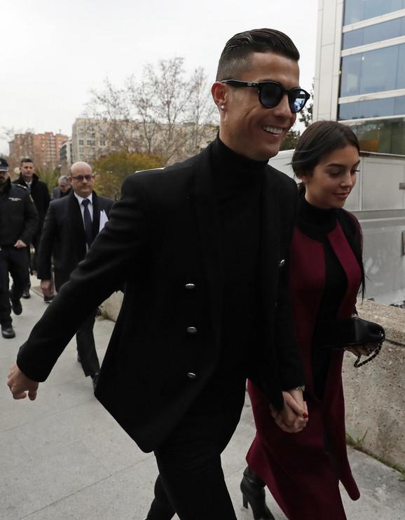 Kristijano Ronaldo i Georgina Rodrigez dolaze u sud u Madridu