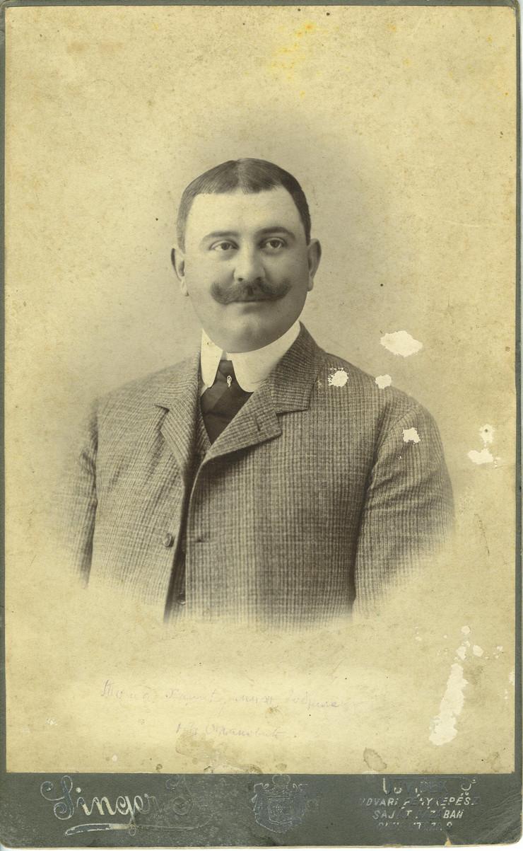 Toša Hadžić, fotograf Josif Singer, Novi Sad, kraj 19. veka