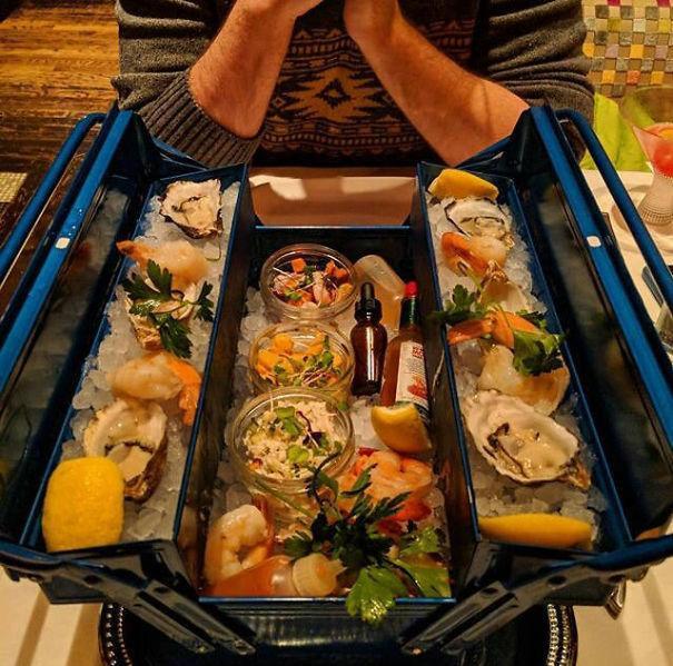 Hrana u kutiji za alat