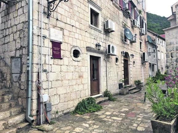 Saša Matić - kuća u Crnoj Gori