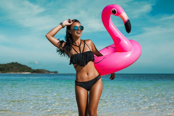 beautiful-sexy-amazing-young-woman foto shutterstock