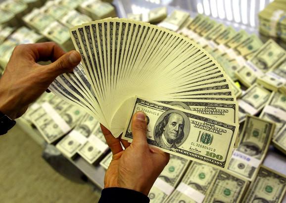 Novčanica od 100 dolara prevazišla je novčanicu od jednog dolara u trgovinskom prometu