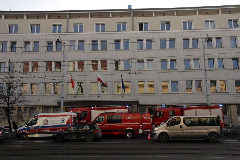 Panika w Urzędzie Miasta w Gdańsku. Pracownicy dostali kopertę z białym proszkiem